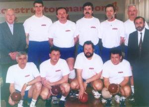 1999-00-kk-lokomotiva-1-ekipa-99-00-1